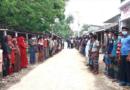 কলারোয়ায় দুই ইউপি সদস্য ও ১০ কৃষকের বিরুদ্ধে মানব পাচার মামলা মামলা প্রত্যাহারের দাবীতে এলাকাবাসীর মানববন্ধন